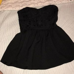Strapless flowy tube top